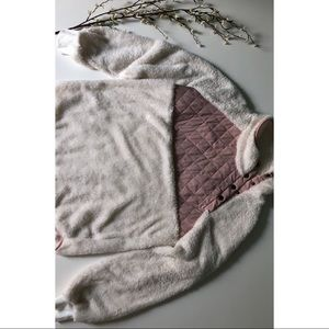 White and pink fuzzy Pullover